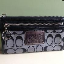 Coach Metallic Gray Wtistlet Wallet Photo