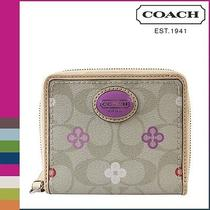 Coach Peyton Signature Clover Midium Zip Around Wristlet Wallet F 48964 Photo