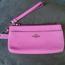 Coach Pink Wallet Very Pretty Pre Owned Used Just a Few Times Photo