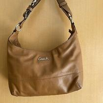 Coach Saddle Leather Hobo Purse With Convertible Crossbody Strap F17489  Tan Photo
