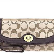 Coach Signature Lg Wristlet Khaki-Mahogany F50184  Photo