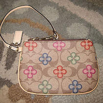 Coachsignaturepvcmulti Colorclover/flowerwristlet/clutch/walletrare Photo