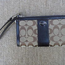 Coach Signature Zippy Wallet Nwt 48439 Leather Trim Khaki Mahogany Photo