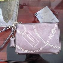 Coach Silver Wristlet Chain Design Photo