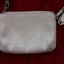 Coach Small Wristlet White/silver Photo