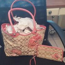 Coach Summer Tote With Matching Wallet Photo