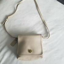 Coach Vintage Off White Cross Body F9p9076 Purse Photo
