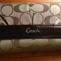 Coach Wallet - Brown Beige Tan - Lots of Room - Excellent Condition Photo