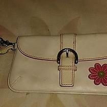Coach White Leather Flower Wristlet Rare Photo