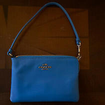 Coach Womens Sky Blue Small Zip Purse Photo