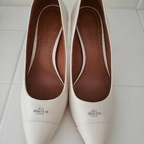 Coach Womens Classic White/ivory Leather High Heels Closed Toe Pumps Size 8 Photo