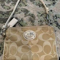 Coach Wristlet Wallet Leather Light Khaki/cream Photo
