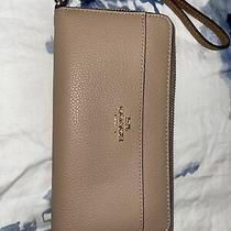 Coach Zip Around Leather Wristlet Wallet Photo