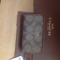Coach Zippered  Credit Card Wallet New W Gift Box Photo