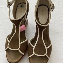 Cole Haan Womens 9.5m Brown With Cream Canvas Platform Wedge T-Strap Sandal Euc Photo