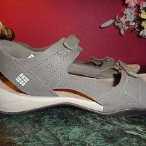 Columbia 8m Charcoal Gray Suede-Like Fabric Sandals in Very Good Condition Photo