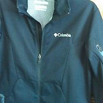 Columbia Omni Wind Block- Solid Black Windbreaker Photo