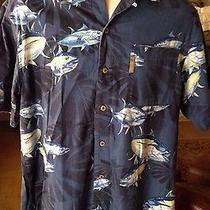 Columbia River Lodge Medium  Fish Coastal Button Blue Camp Shirt Short Sleeve Photo