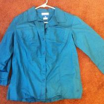Columbia Womens Button Down Shirt Size Medium Casual or Hiking Shirt Photo