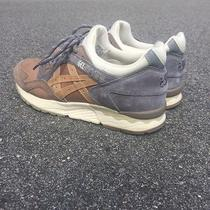Commonwealth Asics Gel Lyte v Da Vinci  Photo