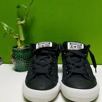 Converse All Star Chuck Taylor Size 13 Youths.  Photo