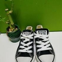 Converse All Stars Chuck Taylor Size 12 Youths. Photo
