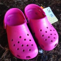Crocs Girls Fuchsia Pink Water Shoes 1 M Photo
