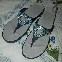 Crocs Sanrah Embellished Diamante Wedge Flip Flop Thong Sandals Womens Size 9 Photo