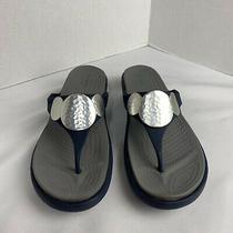 Crocs Sanrah Navy Blue Wedge Thong Sandals Silver Medallion Shoes Women's 9 Photo