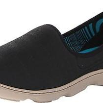 Crocs Women's Duet Busy Day Natural Shoe Photo