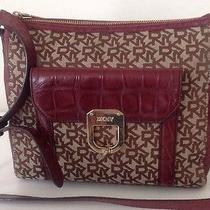 Dkny Messenger Bag Photo