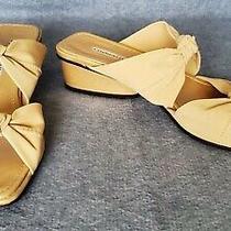 Donald J Pliner Size 9 Beige Knotted Slip on Block Heel Sandals Photo
