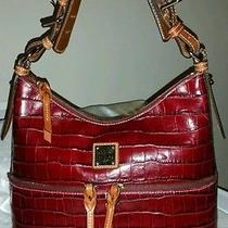 Dooney and Bourke Croc Embossed Leather Bordeaux North/south Zipper Sac Photo