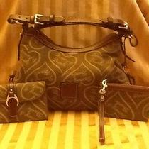Dooney and Bourke Handbag With Wallet and Wristlet K6186842 Photo