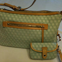 Dooney  &  Bourke    Green   Signature   Canvas    Sac    Handbag    W/ Wristlet Photo