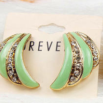 E723 Forever 21 Green With Clear Rhinestone Clip on Earrings New on Card Photo
