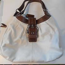 Elegant Coach Creamy White Leather Shoulder Bag Perfect for Summer Photo