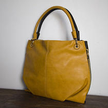 Elements Collection-Air Bag P 1928 Mustard/black (Online Only) Photo