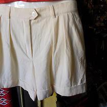 Escada  Ivory  Short  Pants  Pure  Wool  Sz  40 Photo