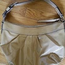 Euc Coach Hobo Bag Handbag Patent Leather Beige  Photo
