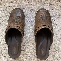 Euc  Crocs Womens Sarah Tooled Slip on Mule Clogs Size 7 Brown Heeled 203911 Photo