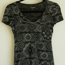 Express Sexy Basic Tee v-Neck T-Shirt Brocade Damask Abstract Wallpaper Print Xs Photo