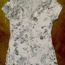 Express Womens v-Neck Shirt Small Top Black and White Euc Photo