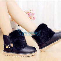 Fashionable Women Take Mao Ugg Boots Leather Boots Photo