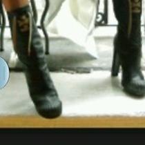 Fendi Boots Original Price  900 Photo