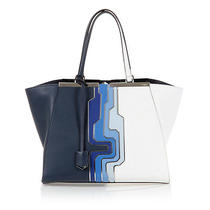 Fendi Handbag in Leather  Photo