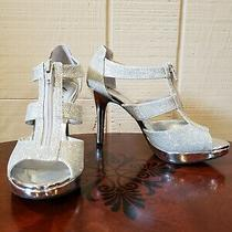 Fioni Layla Silver Womens Size 8 Metallic Sandal Shoes Front Zip 4