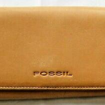 Fossil Beige Leather Trifold Clutch Wallet Checkbook Photo