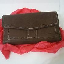 Fossil Brown Leather Wallet Photo