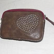 Fossil Heart Small Wristlet  With Zipper Color Grey Leather New With Tags Cutest Photo